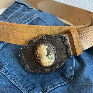 Streets Ahead Distressed Leather Women's Belt